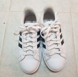 adida's Women's Cloudfoam Advantage Stripe Sneaker
